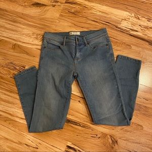 Free People Medium Wash Jeans Size 26